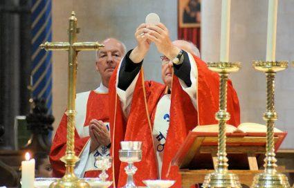Mass BishopAlanCelebratesMass750-750x480 (1) Ely
